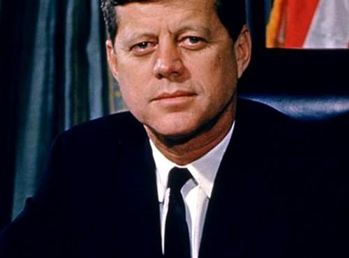 JFK: jovem e fascinado com Hitler