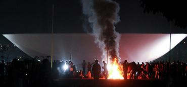 Jorge Mautner comenta os protestos de 20 de junho de 2013.