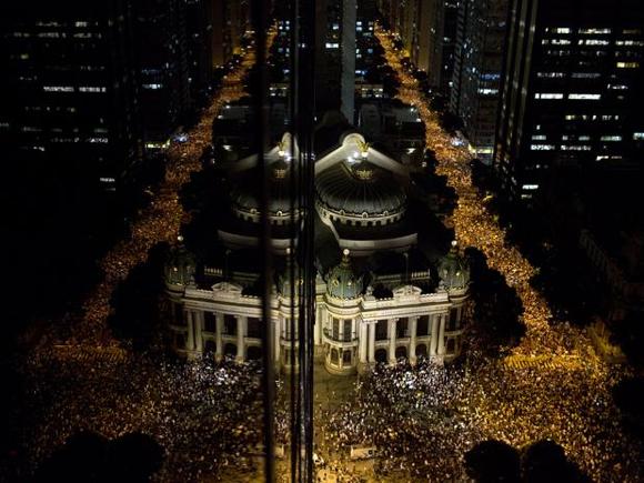 Jorge Mautner comenta os protestos de 17 de junho de 2013